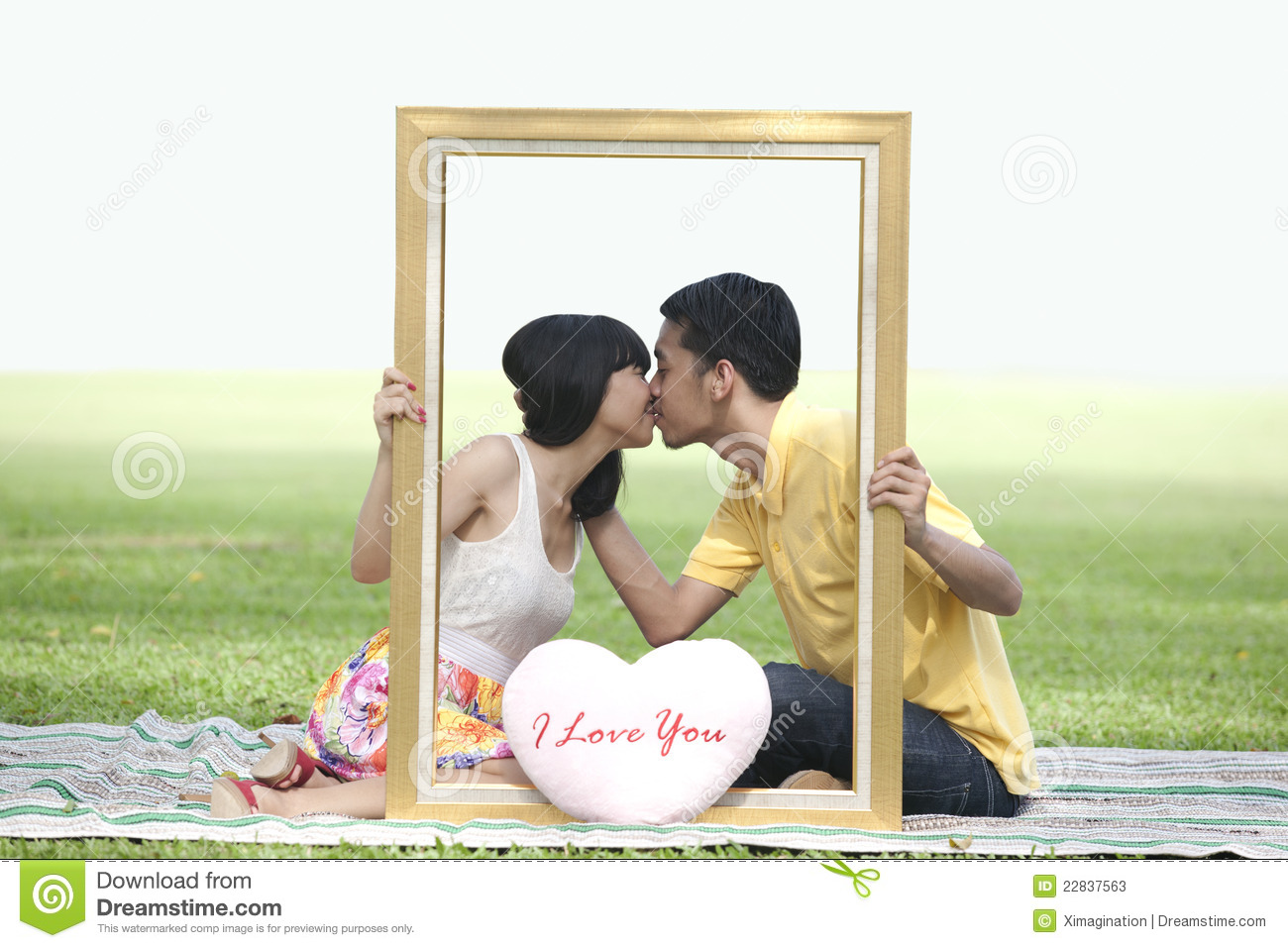 Kissing photos of lovers