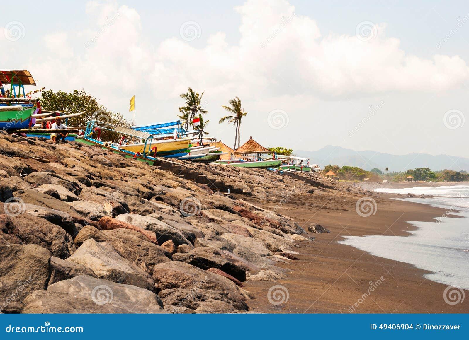 Download Lovina-Strand Mit Typischen Indonesischen Booten, Bali Redaktionelles Stockbild - Bild von indonesisch, szene: 49406904