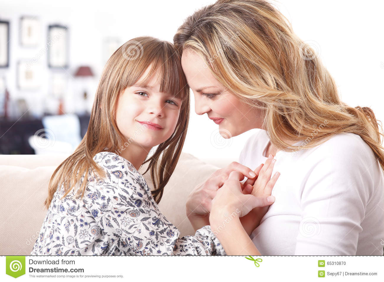 the mother daughter relationship in oranges are The mother-daughter relationship in i stand here ironing essay, research paper the fault of the mother or daughter through her own relative thoughts, the mother illustrates the circumstances of the relationship that evolved with her daughter.