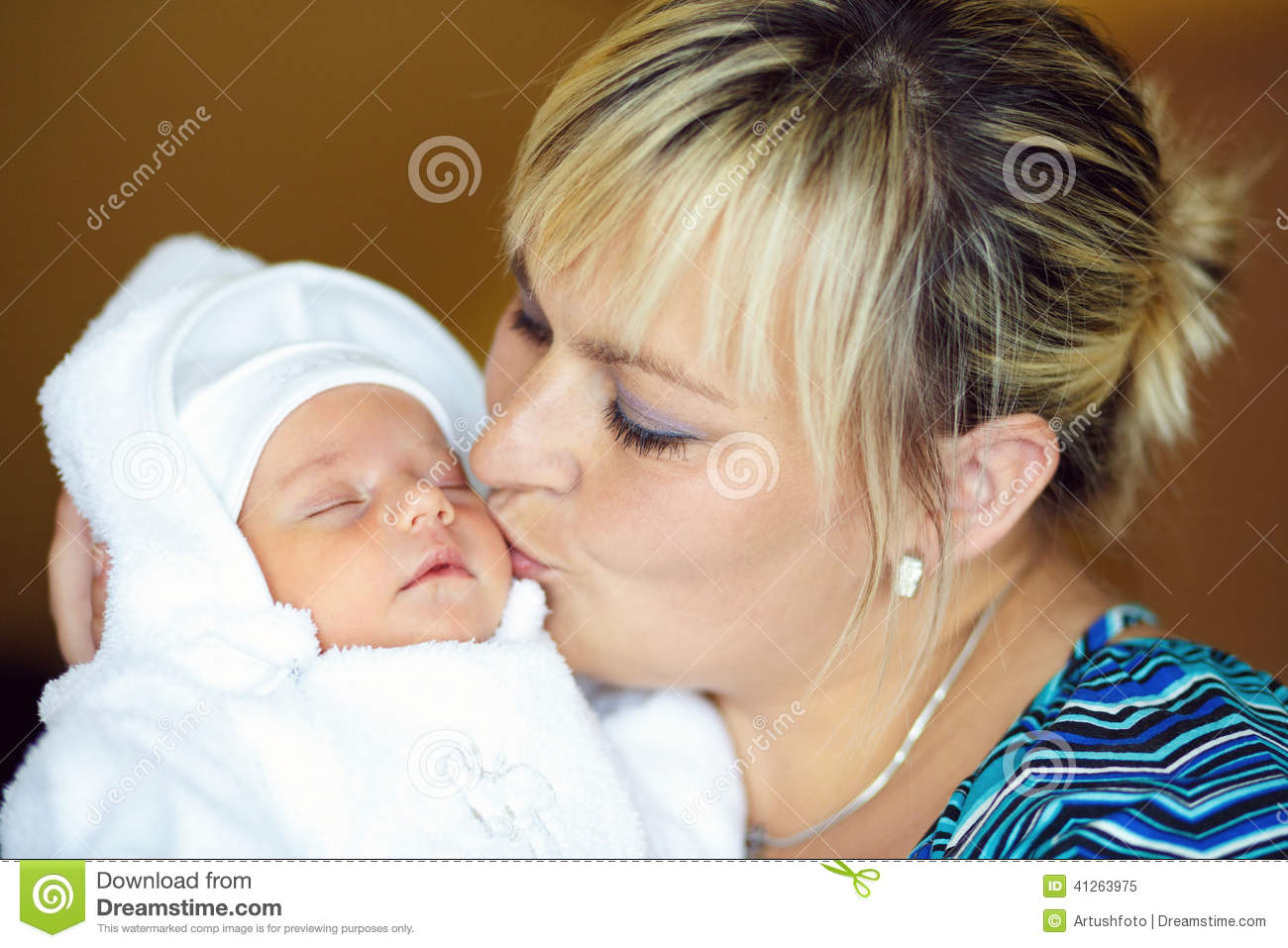 Loving Mother Embracing Her Baby Stock Photo - Image 41263975-4665