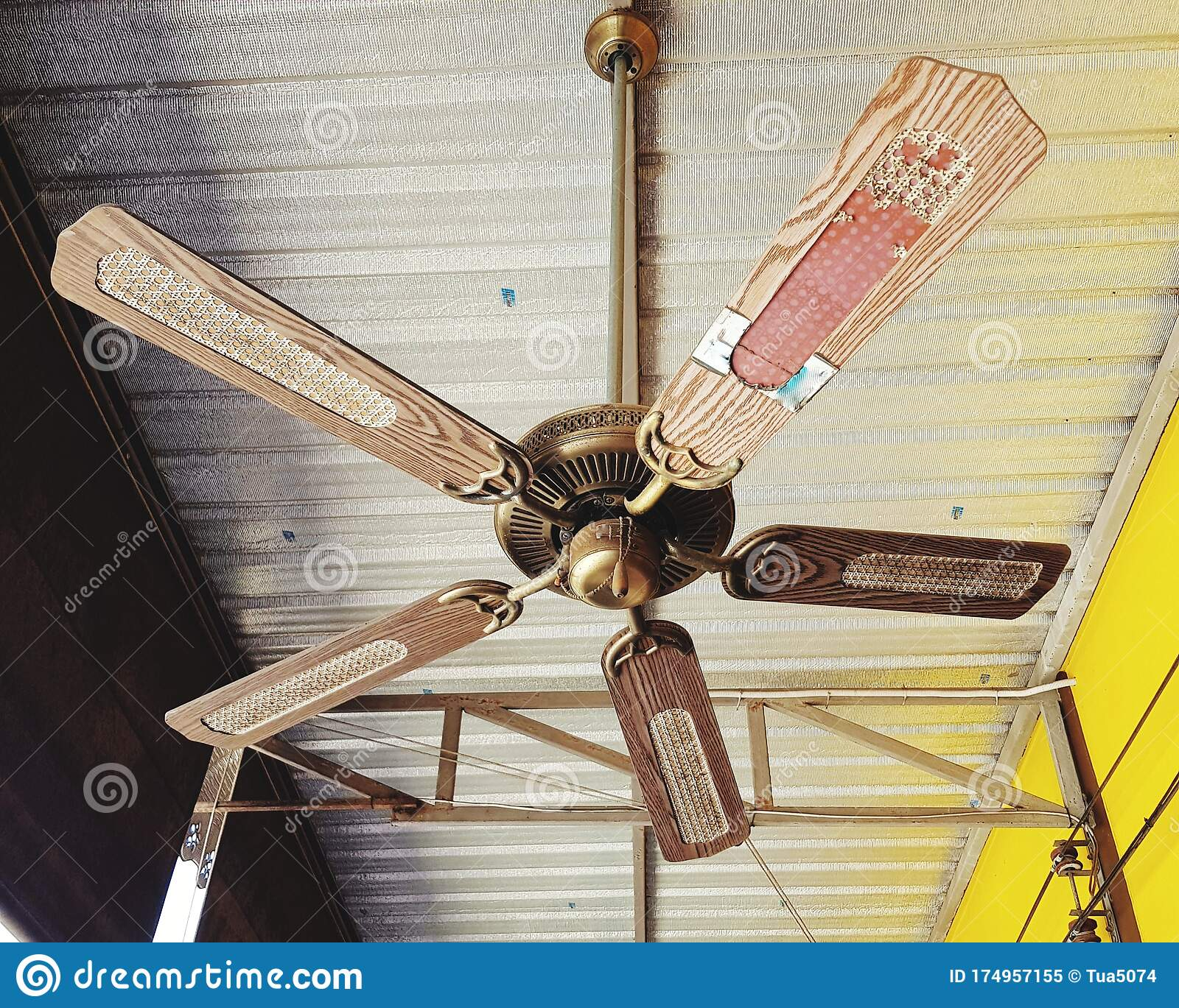 234 Antique Ceiling Fan Photos Free Royalty Free Stock Photos From Dreamstime