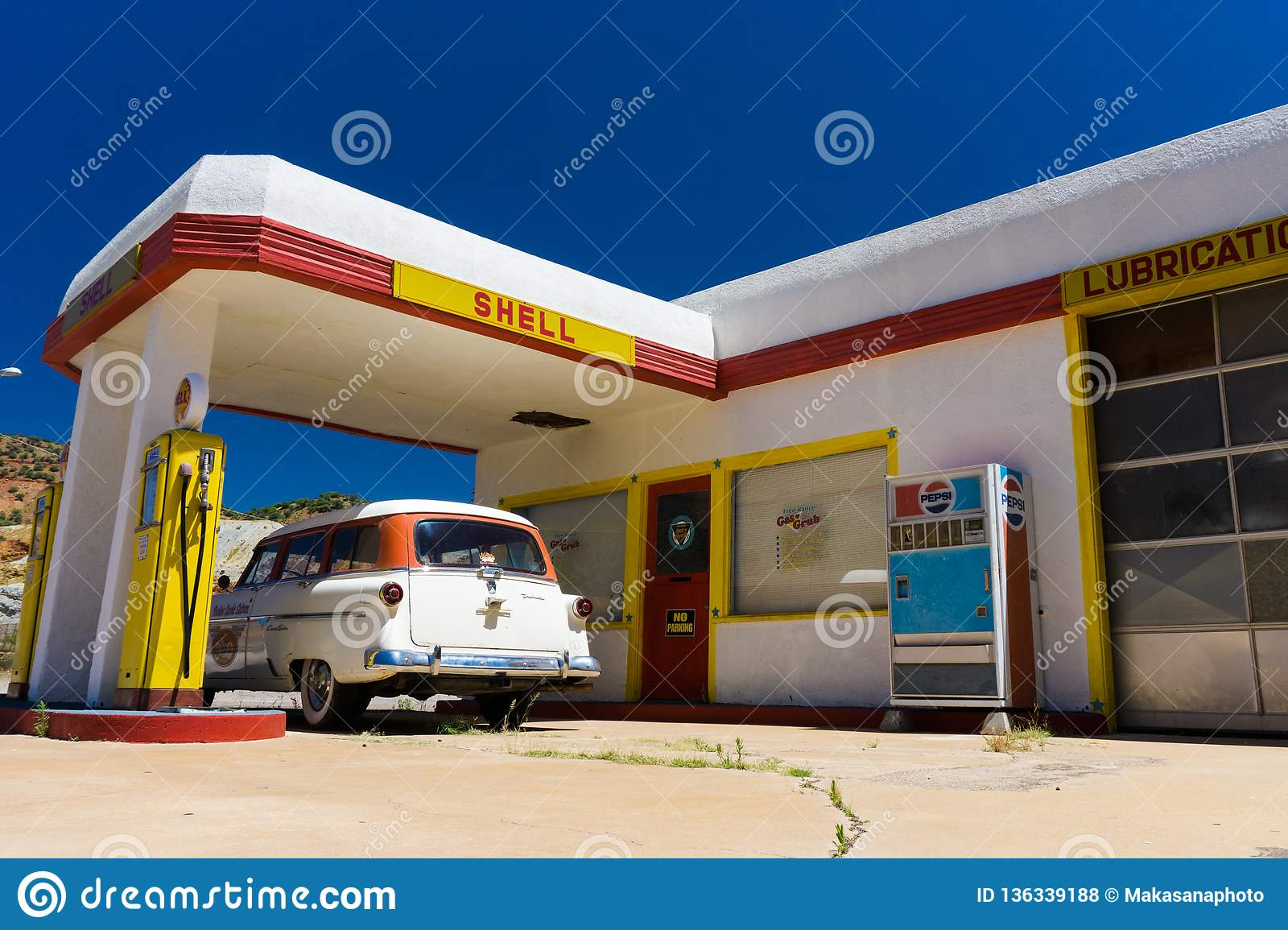 Lowell Az Usa July 12 2016 Old Fuel Pump And Classic Car At An Abandoned Ghost Town Gas Station Editorial Stock Photo Image Of American Culture 136339188