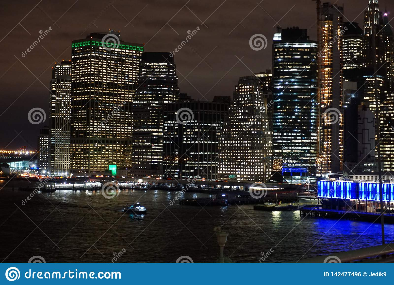 Lower Manhattan alla notte da Brooklyn