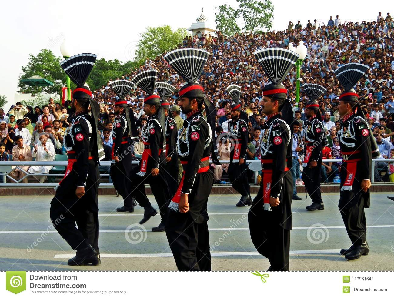 pakistani soldiers at border closing ceremony between Pakistan and India, Wagha border