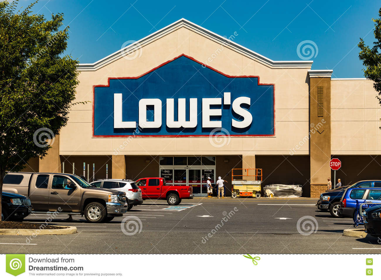 Lowes Store Front Editorial Photo Cartoondealer Com