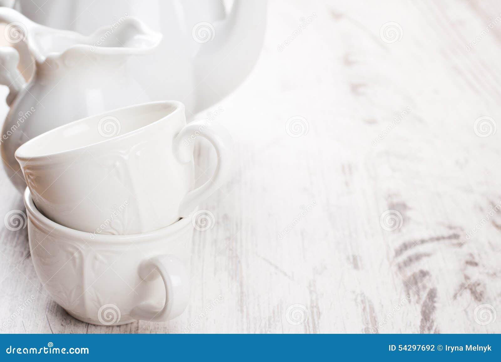 Loza blanca para el té