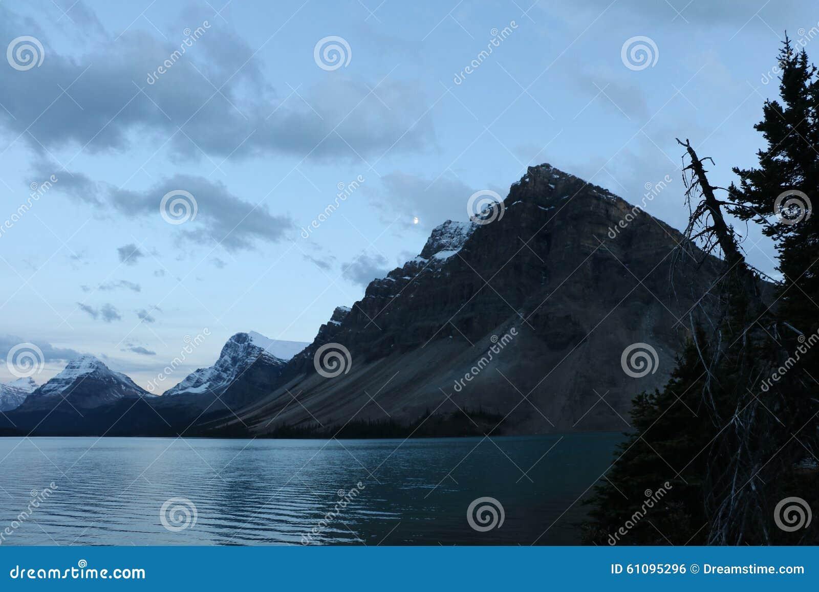 Lua do lago bow