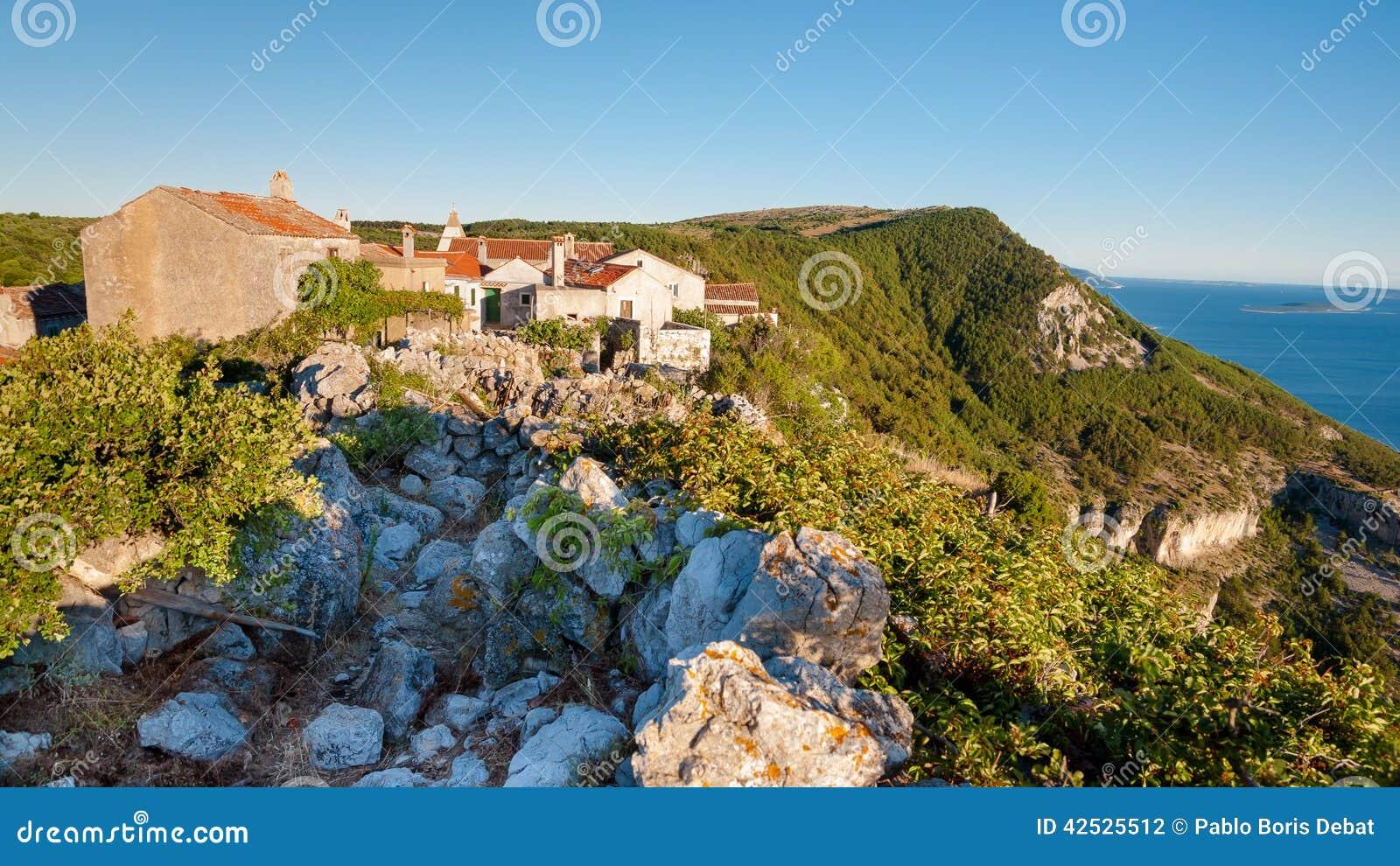 Lubenice miasteczko w Cres wyspie