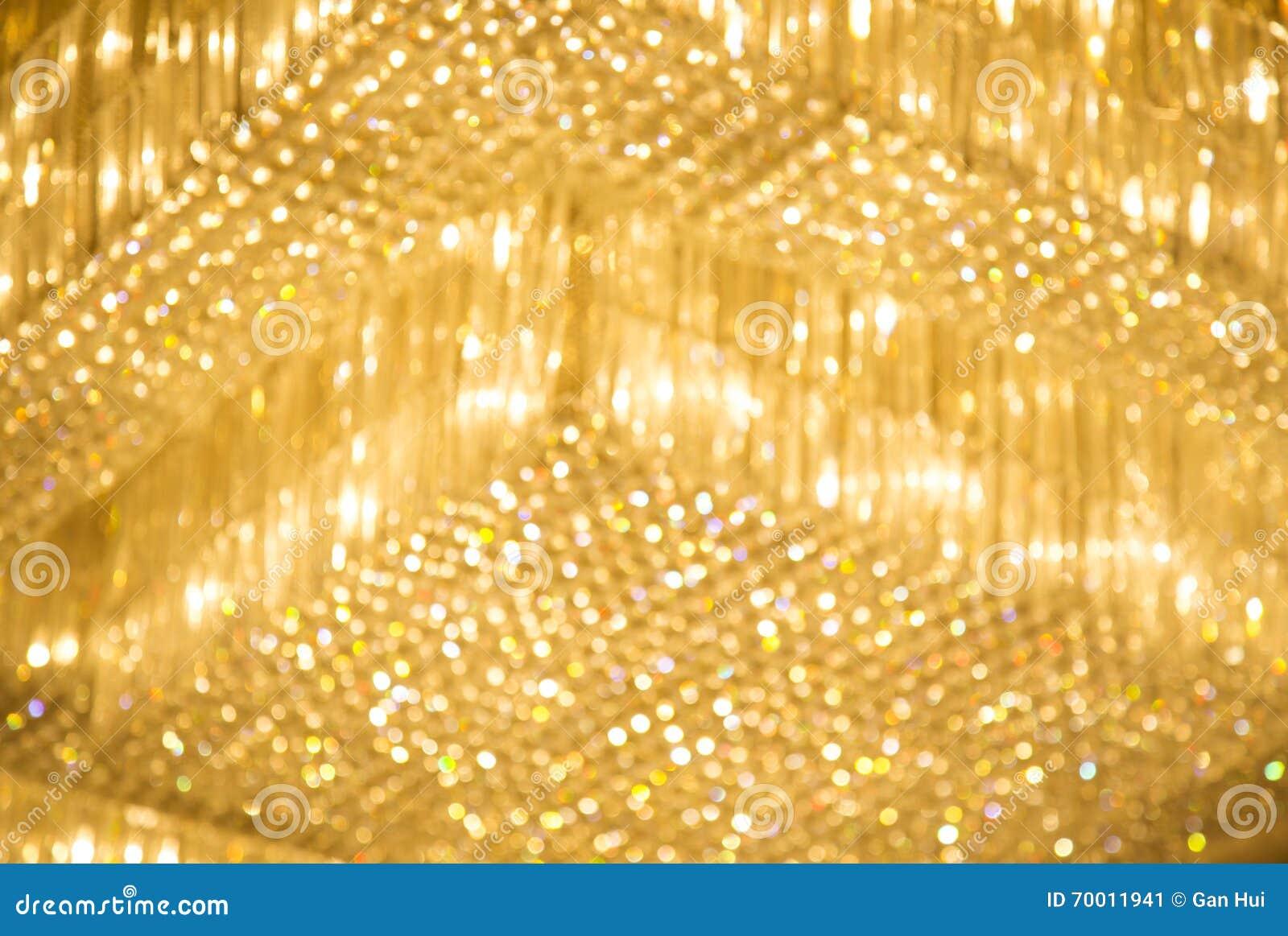 Luces amarillas del hotel en el techo foto de archivo - Luces para el techo ...