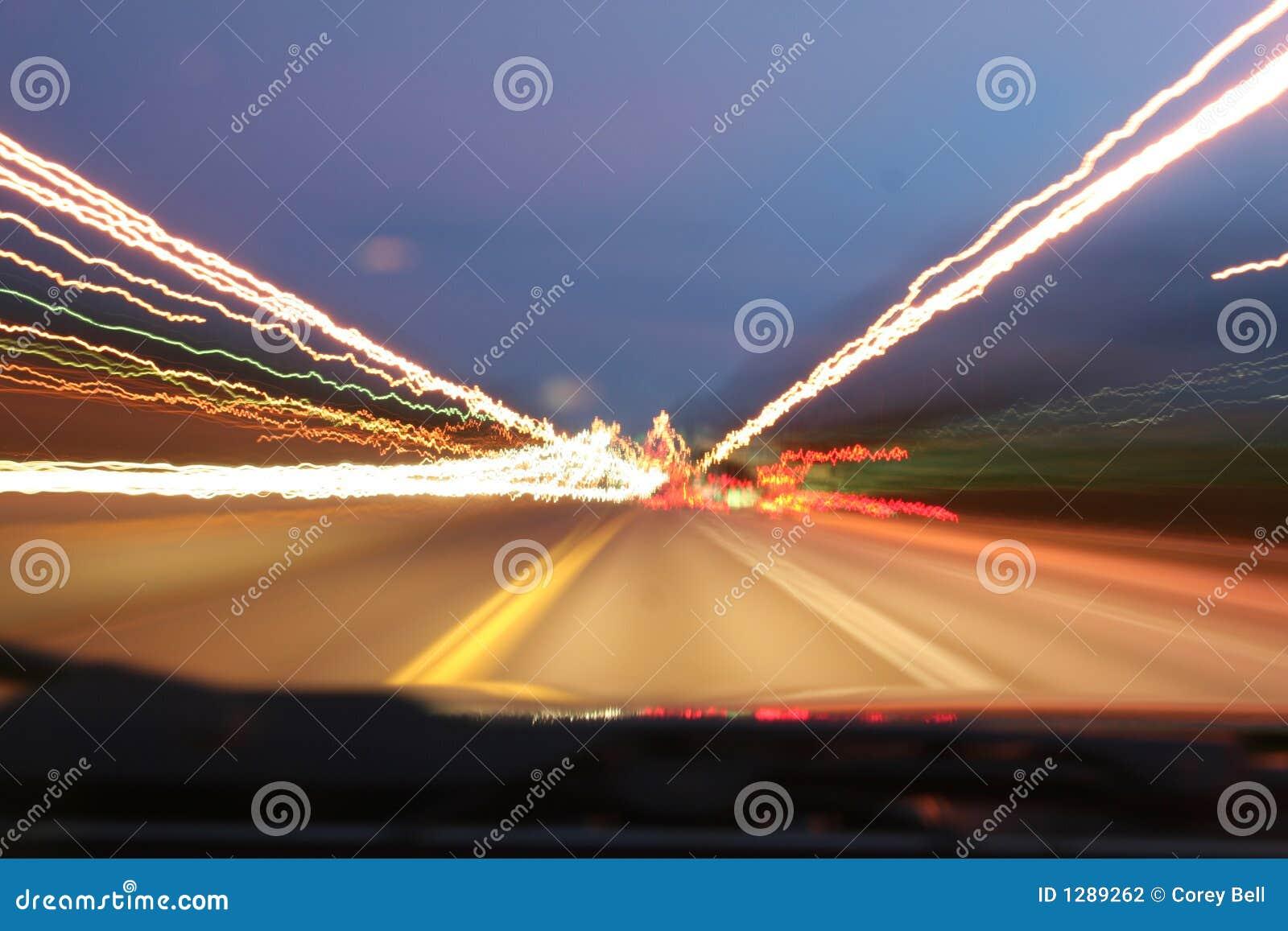 Download Luces de la carretera foto de archivo. Imagen de blur - 1289262