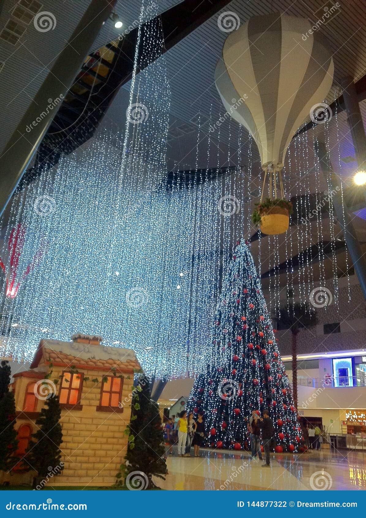 Luces de la Navidad hermosas