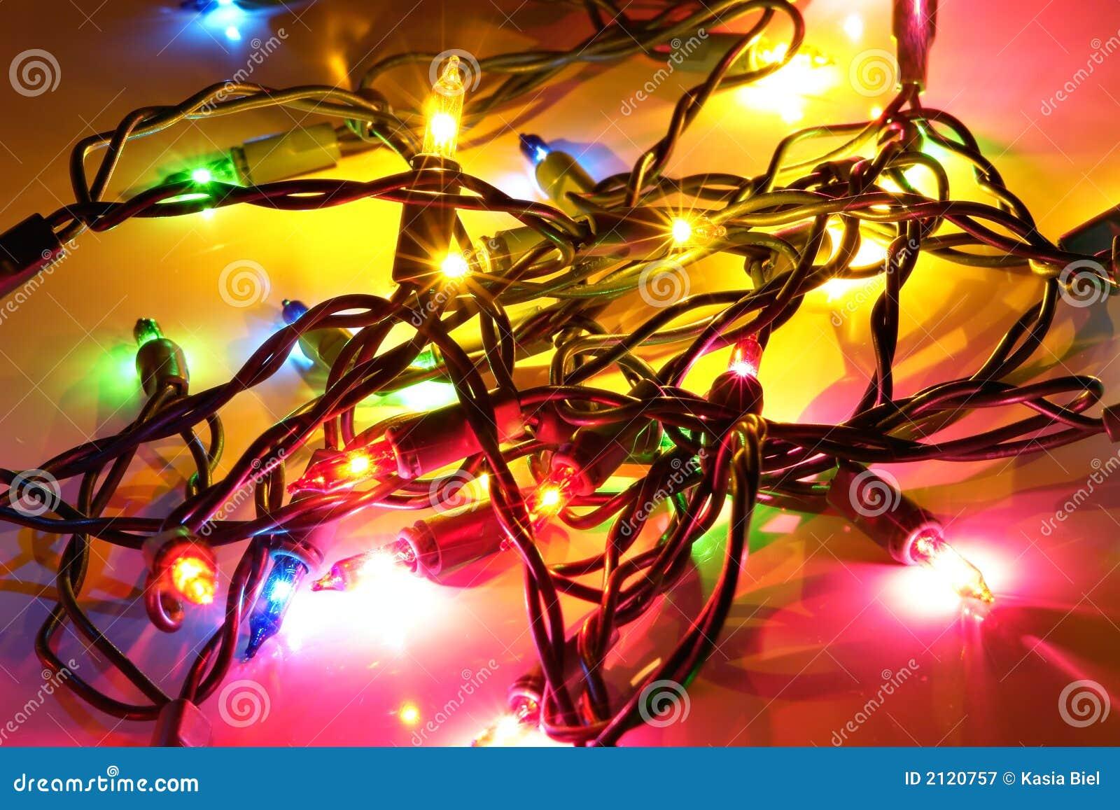 Luces del rbol de navidad fotograf a de archivo libre de for Luces led arbol navidad