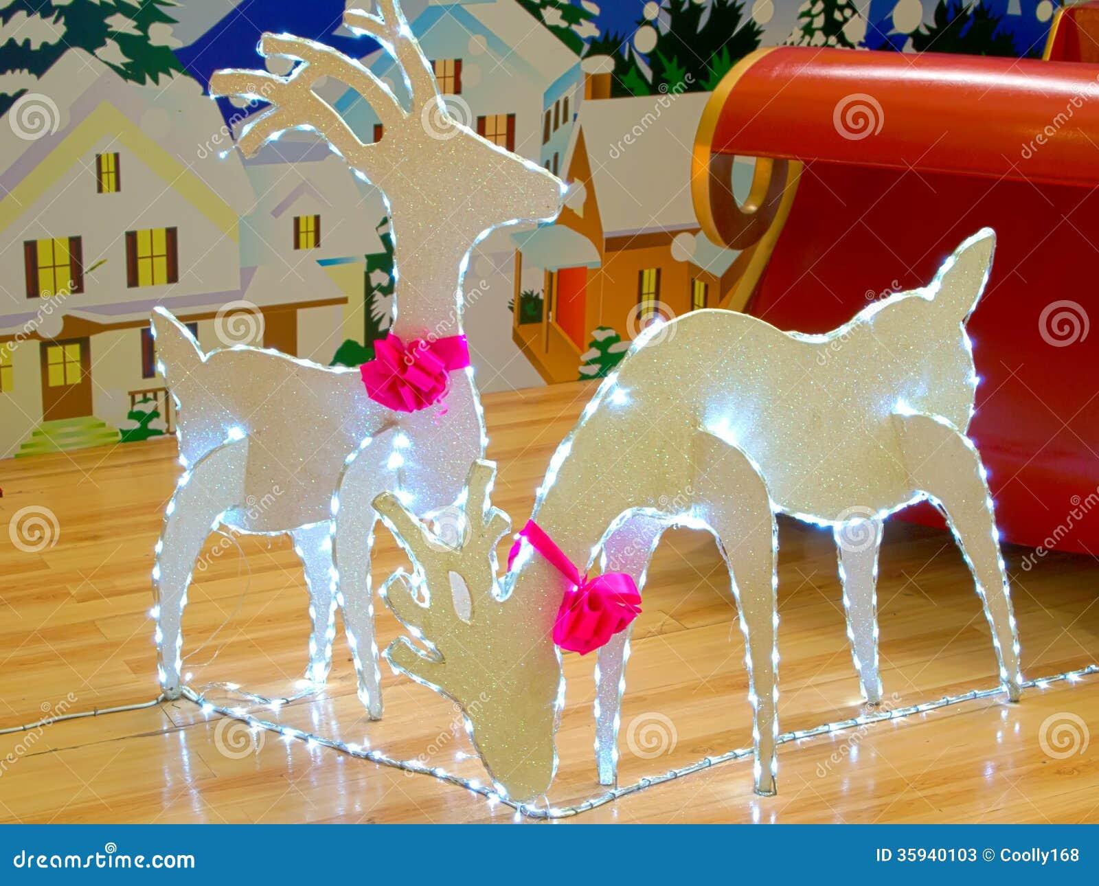 Luces del reno de la navidad fotos de archivo imagen - Renos de navidad con luces ...
