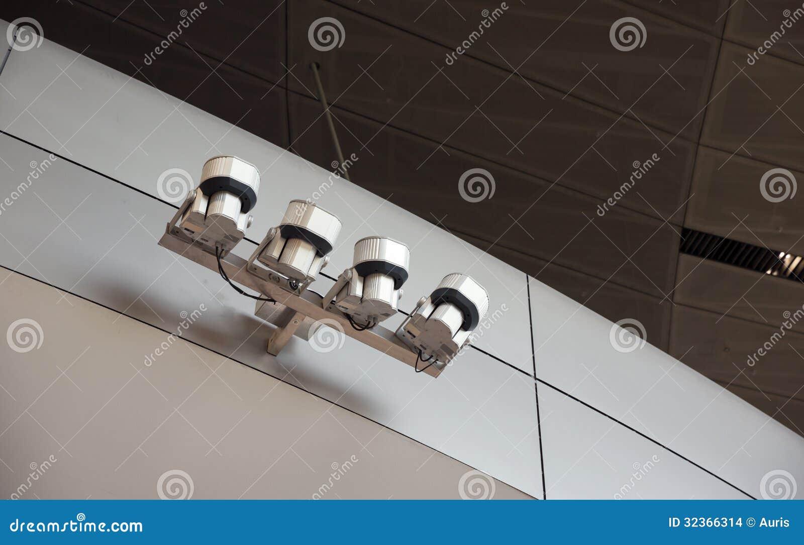 Luces modernas en el interior imagenes de archivo imagen for Luces modernas
