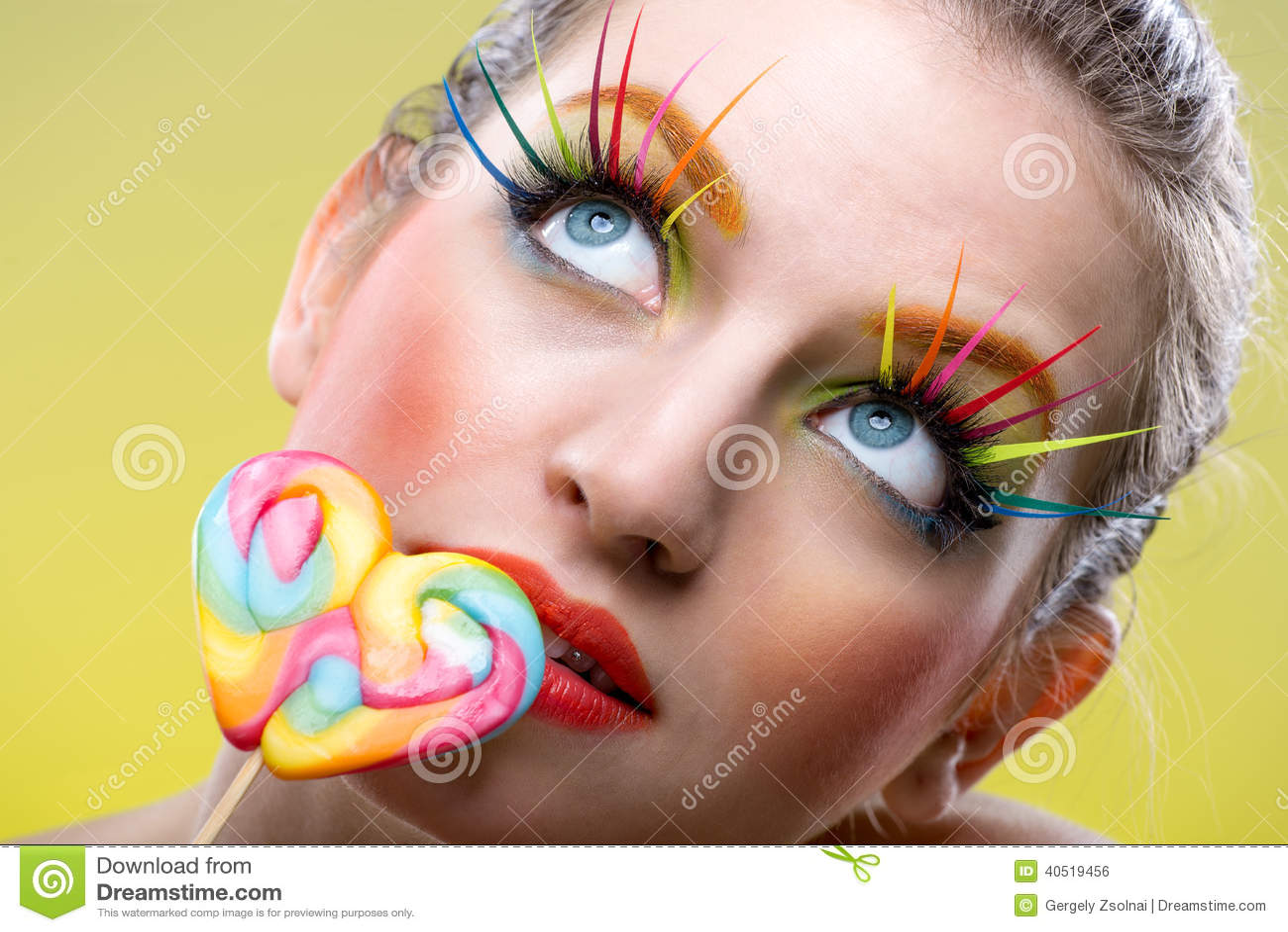 lucette tordue colore et maquillage extrme color de mode - Colori Maquillage