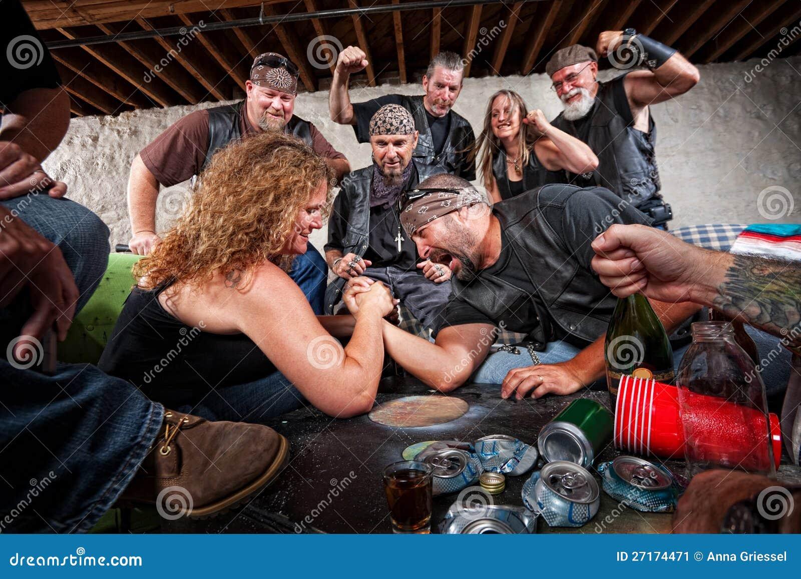 Lucha de brazo de señora Wins