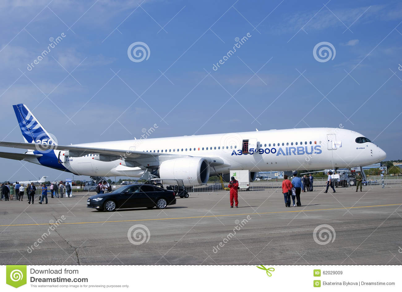 Luchtbus A350 bij de Internationale Ruimtevaartsalon van MAKS