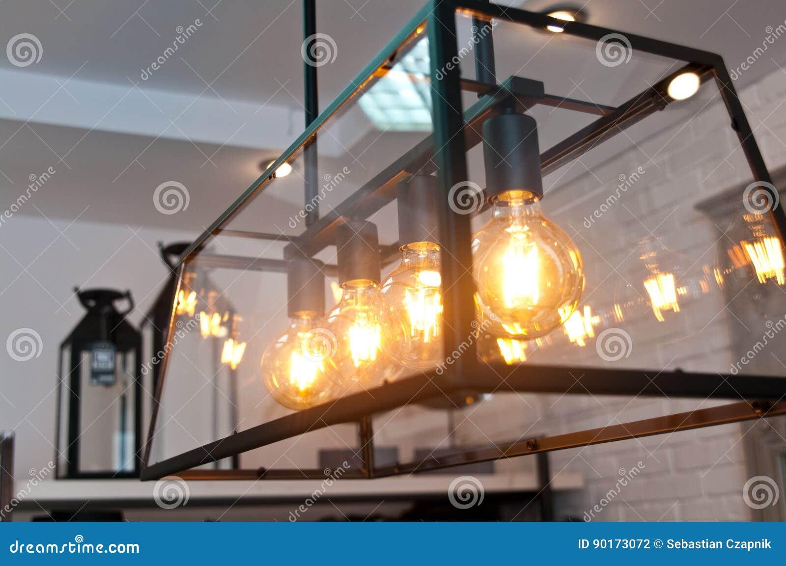 Luci moderne eleganti nella casa fotografia stock immagine di