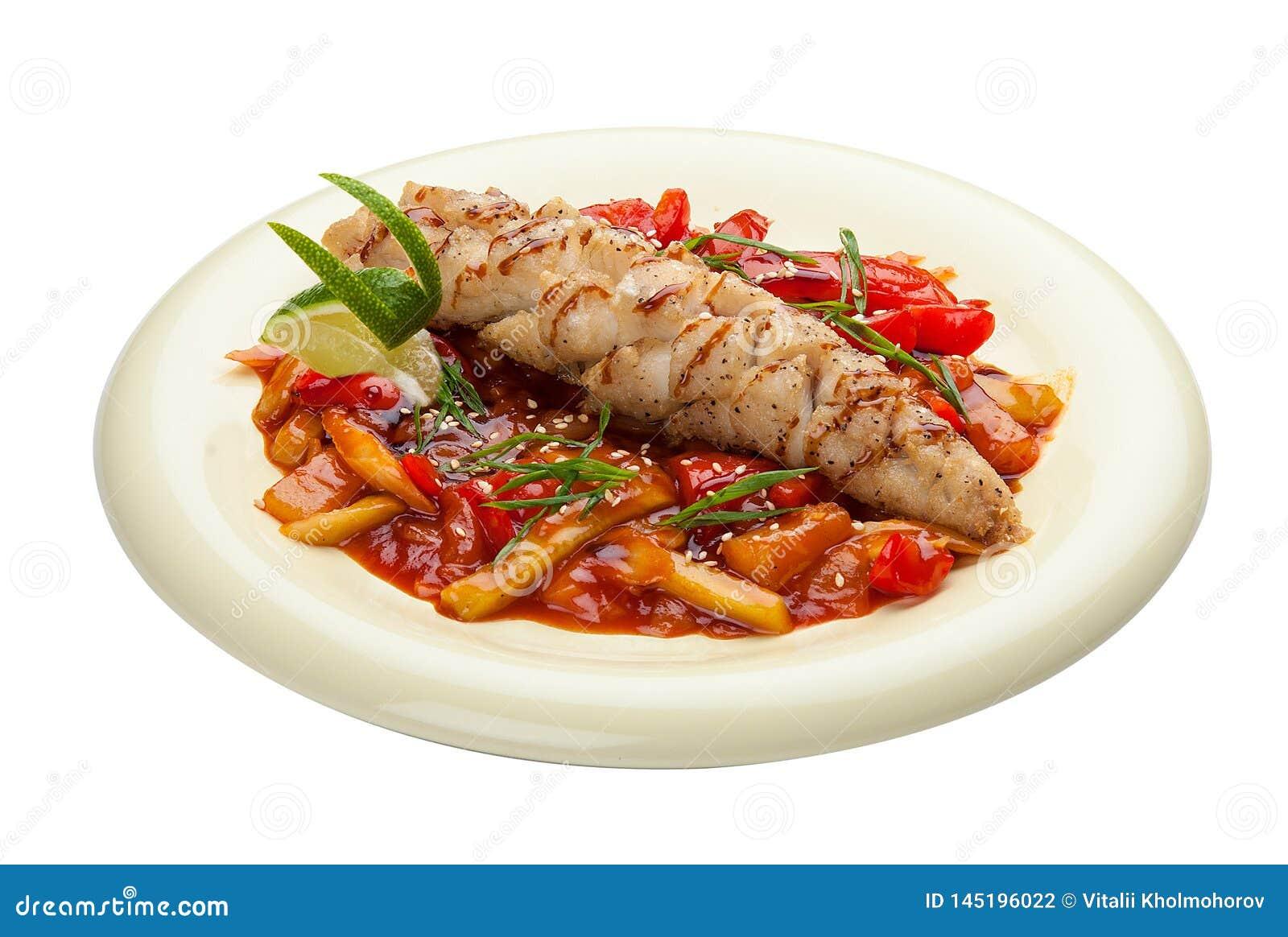 Lucioperca con le verdure in salsa agrodolce Cucina asiatica