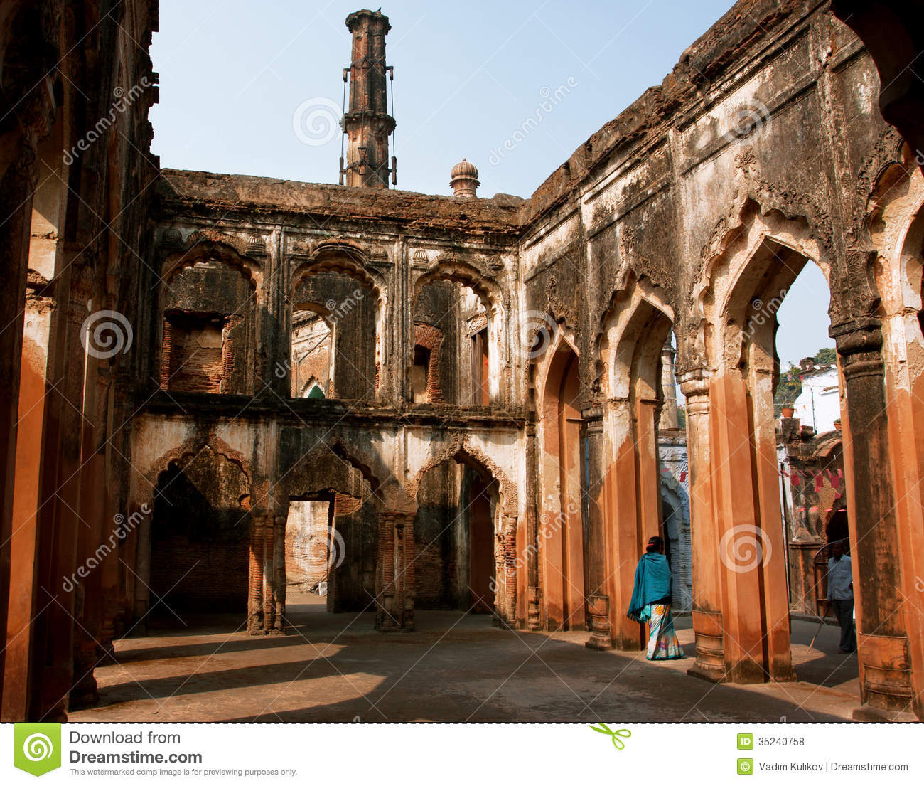 Lucknow india old walls of lucknow residency built in for Architecture design for home in lucknow