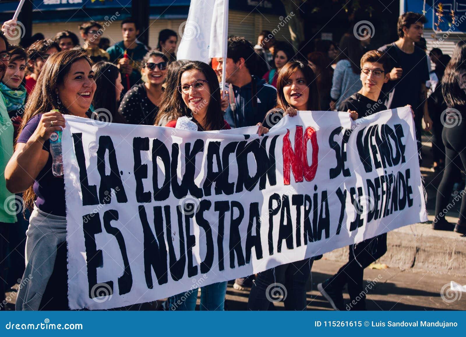 Lucro da educação do protesto dos estudantes