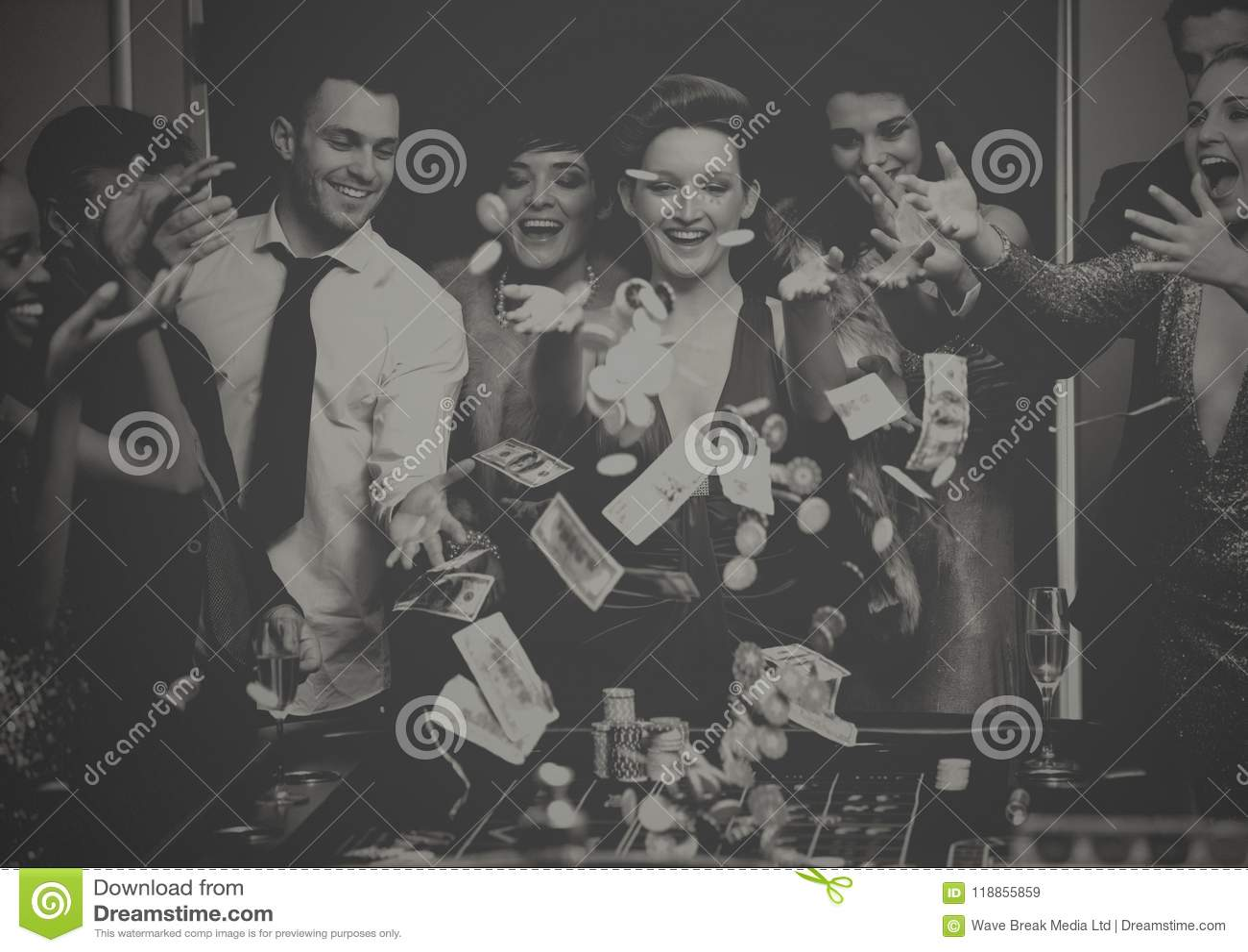 Ludzie bawić się w kasynie