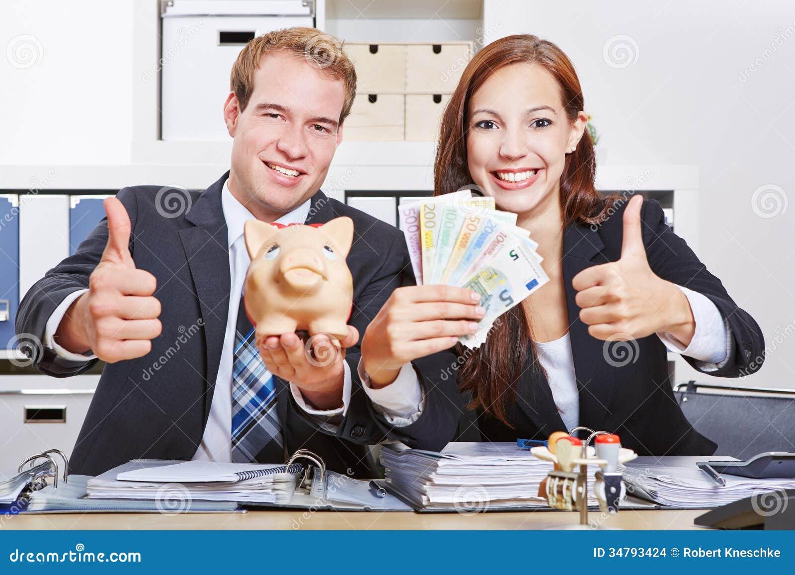 Ludzie biznesu z Euro pieniądze