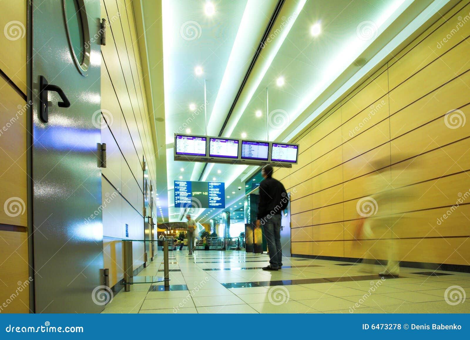 Ludzie mooving komory