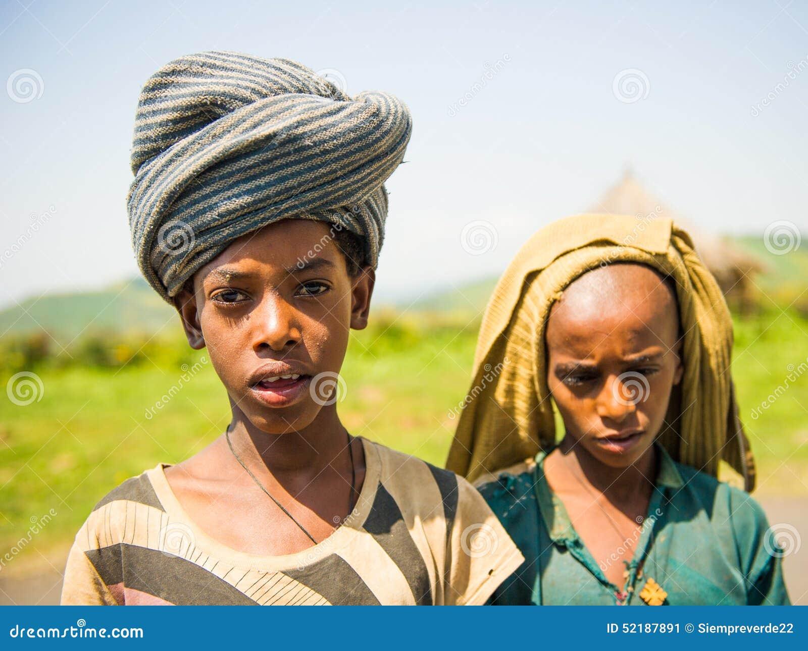 Ludzie w OMO, ETIOPIA