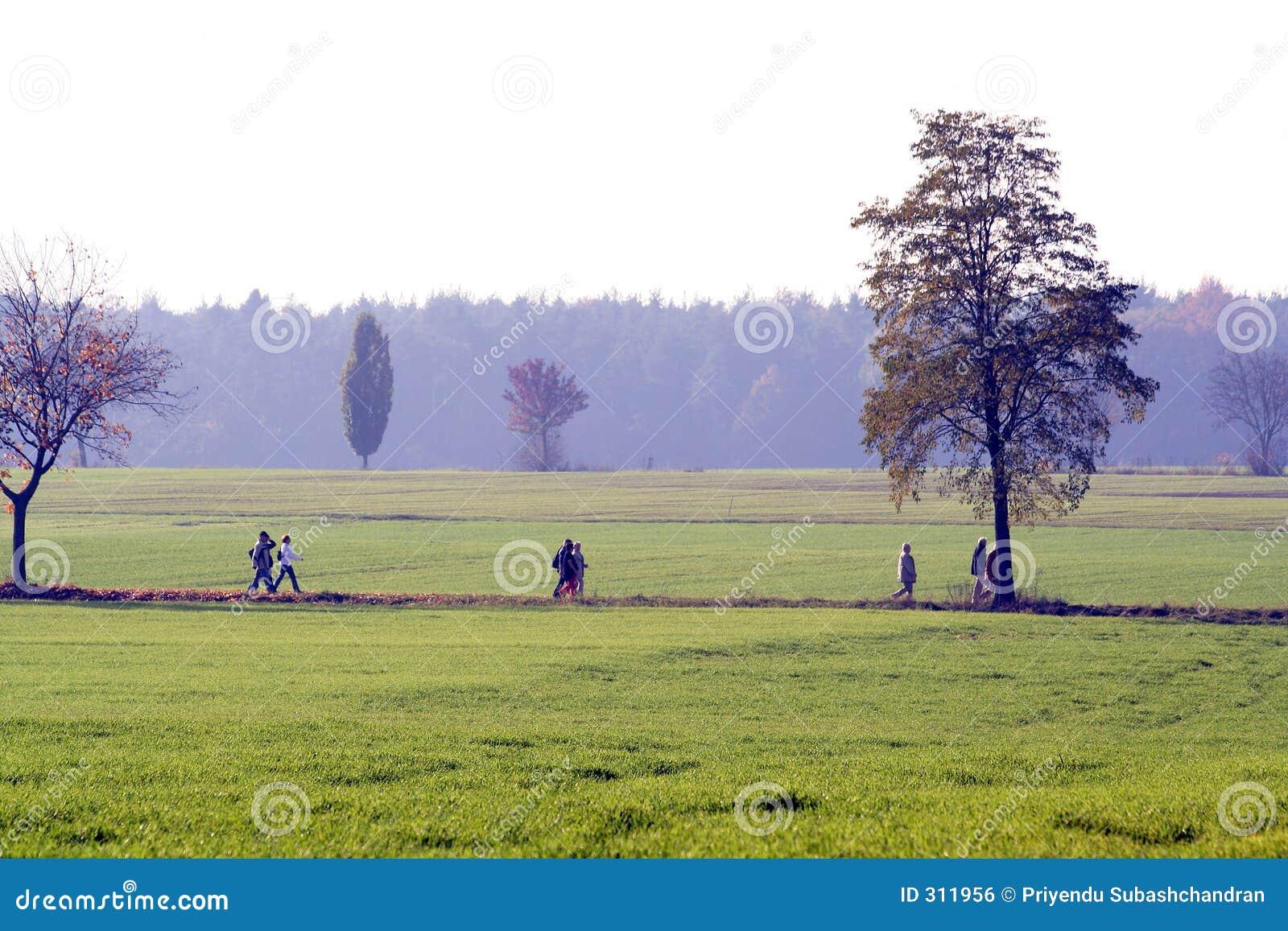Ludzie wsi chodzić