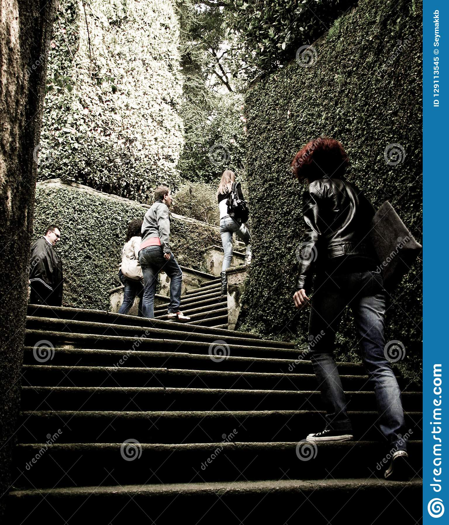 Ludzie Wspinaczkowi W górę schodków