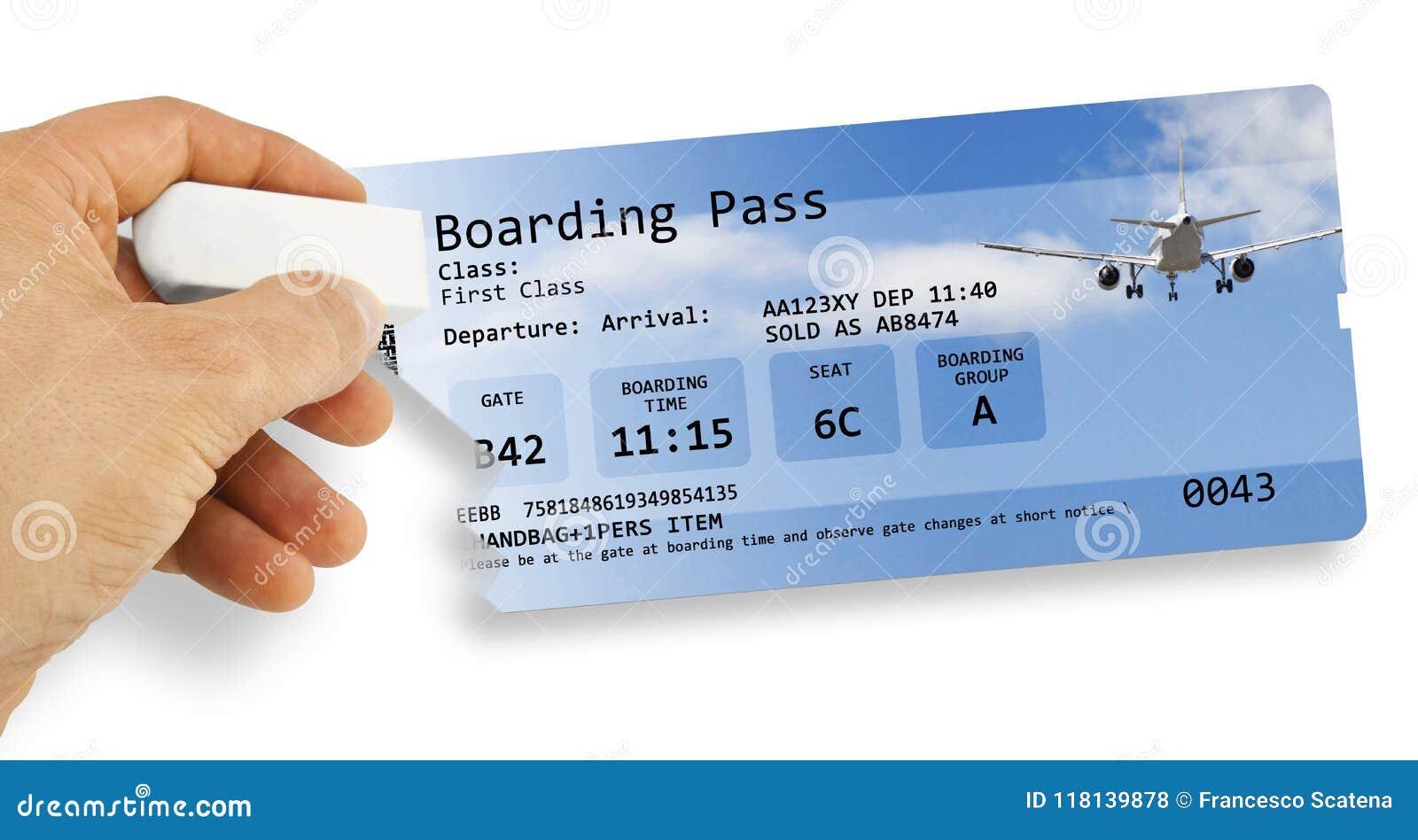 Ludzka ręka wymazuje linia lotnicza bilet - lot odwoływający pojęcie ja