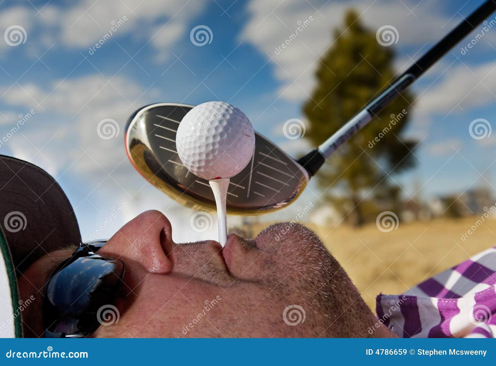 Ludzki golfa, tee