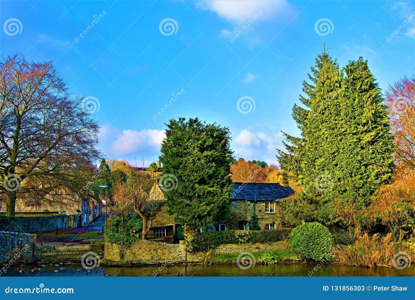 Lueur automnale dans Ashford sur l eau, Derbyshire