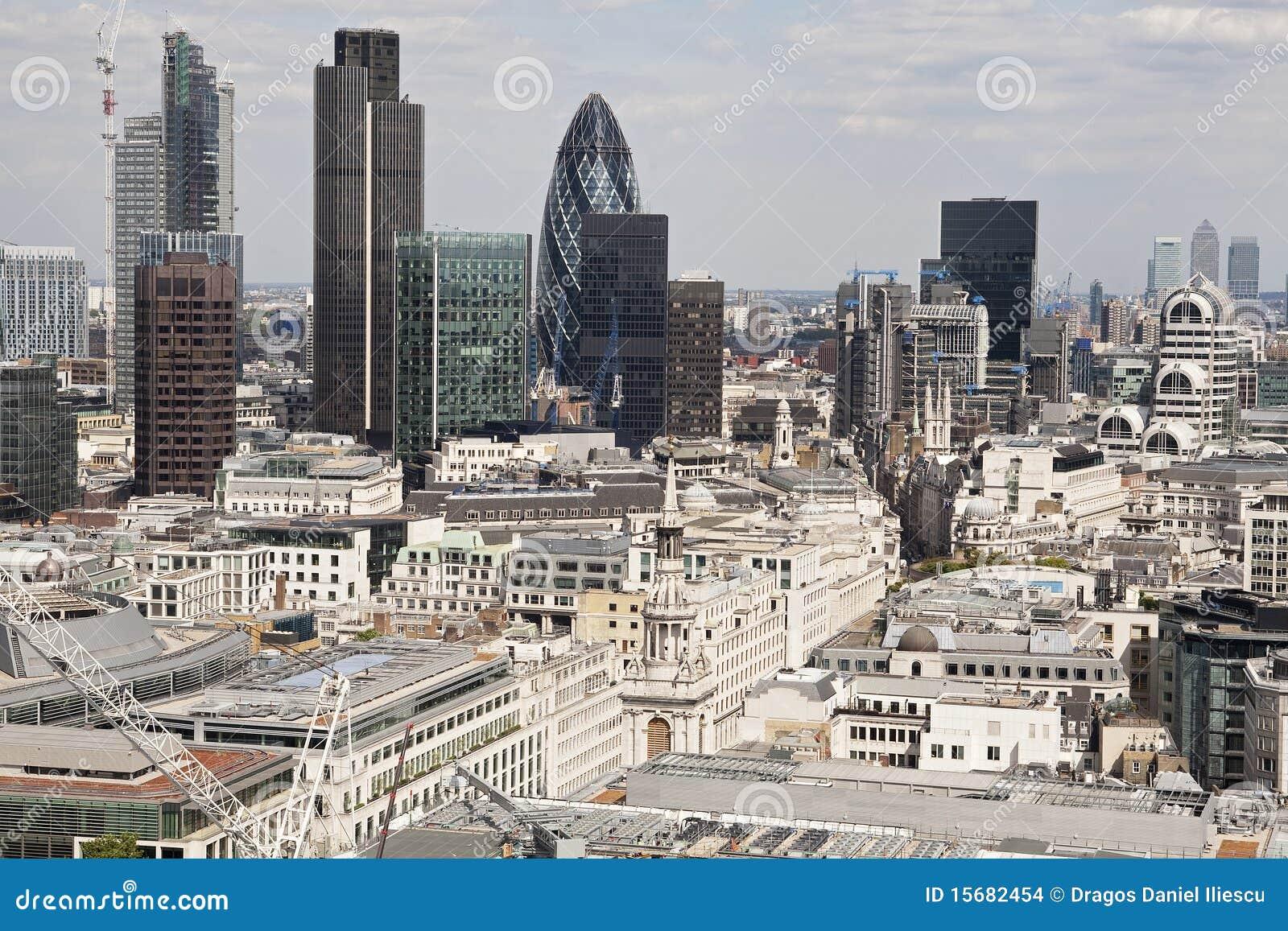 Luftaufnahme mit architektur von london gro britannien - London architektur ...