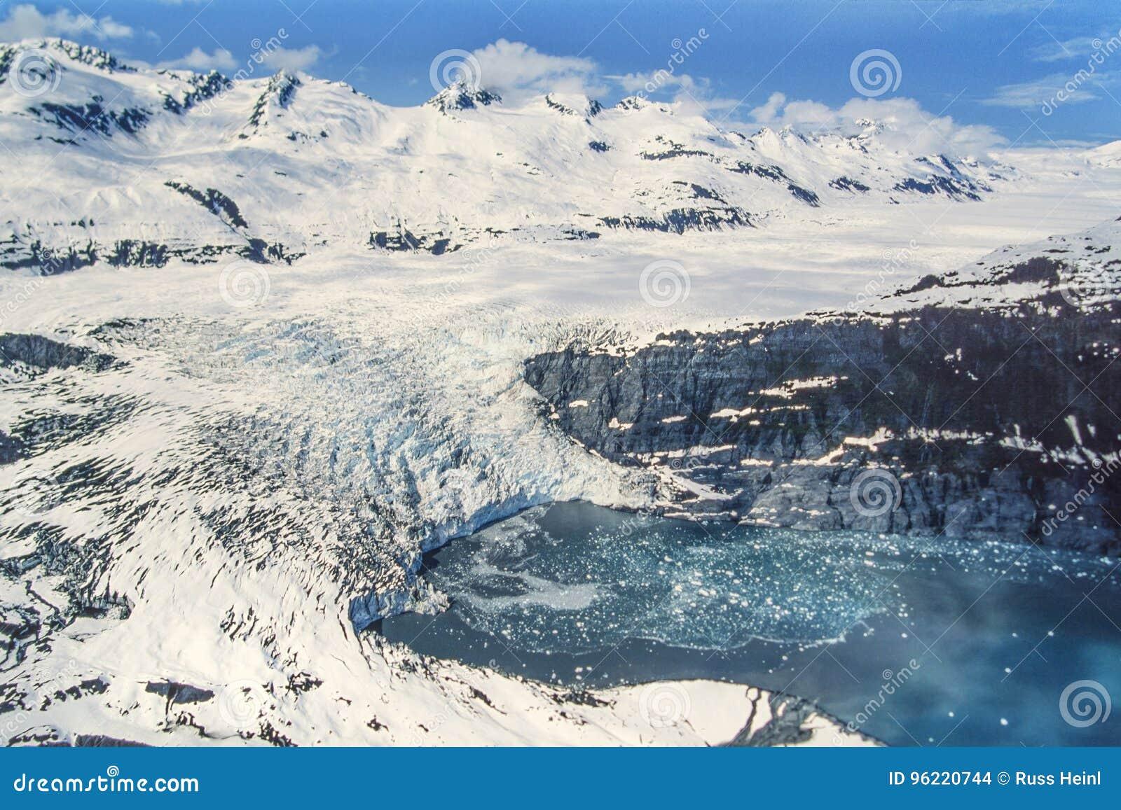 Luftfoto von Gletscher Alaskas Shoup