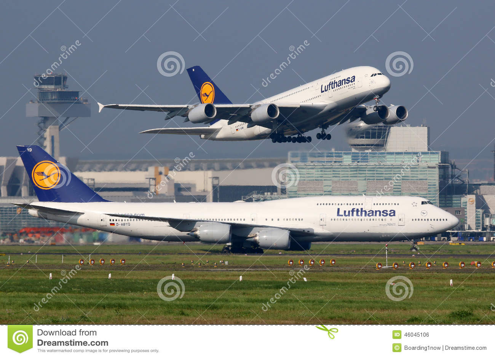 Lufthansa-Vliegtuigen bij de Luchthaven van Frankfurt