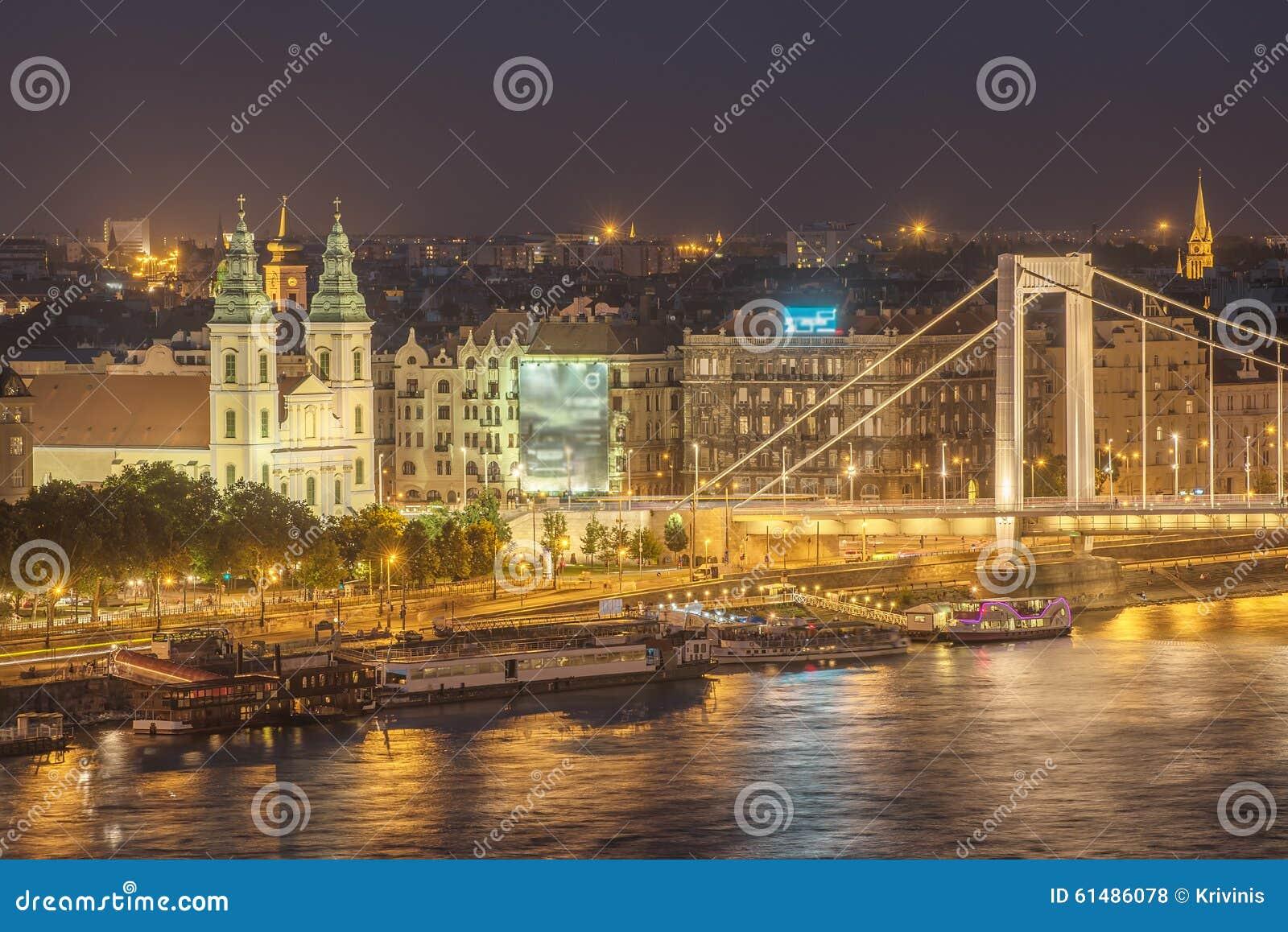luftnachtansicht von budapest hauptstadt von ungarn stockfoto bild 61486078. Black Bedroom Furniture Sets. Home Design Ideas