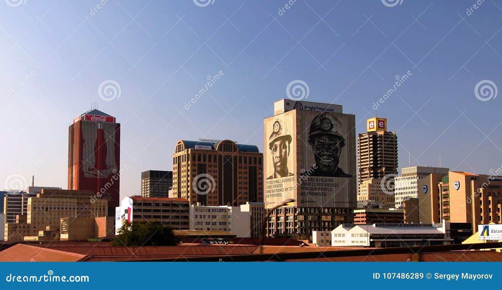 Luftpanoramablick nach Johannesburg im Stadtzentrum gelegen, Südafrika
