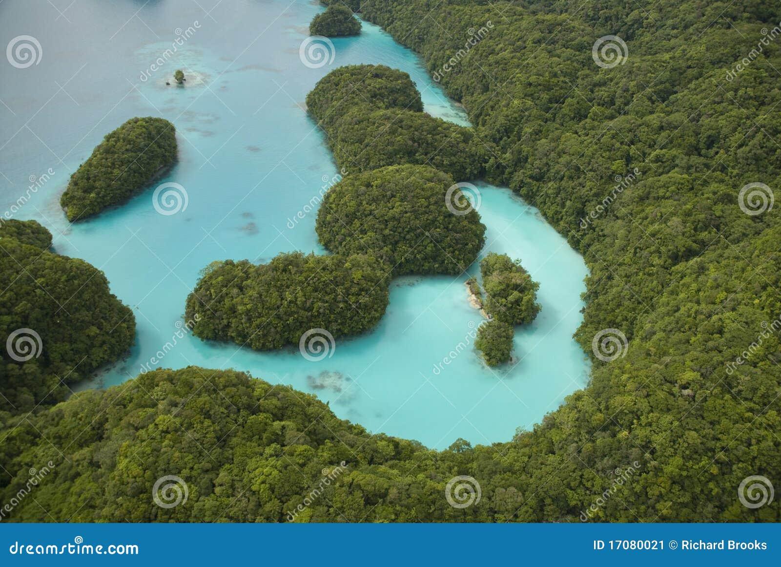 Luftschuß von tropischen Inseln und von Lagune