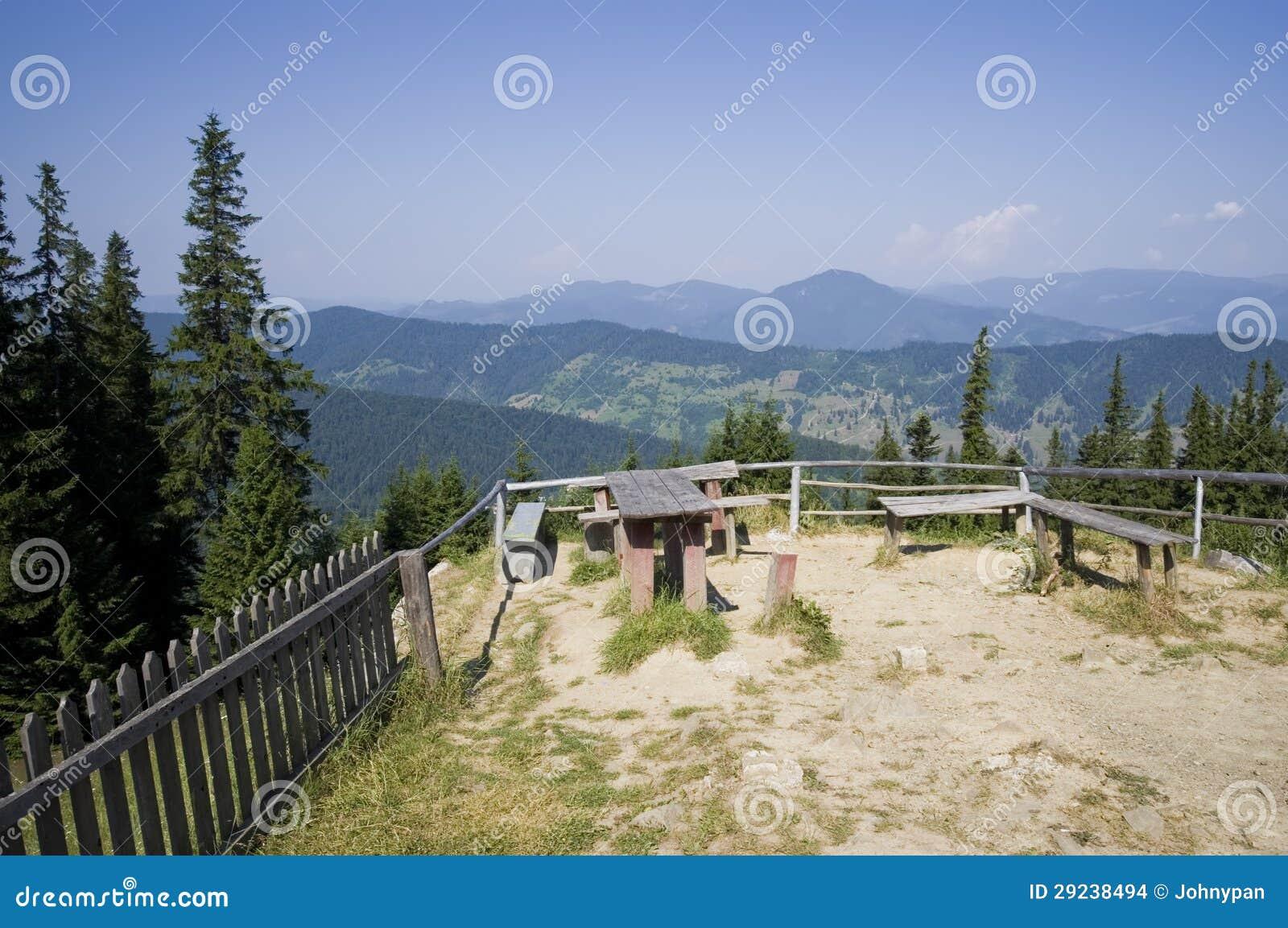 Download Lugar De Descanso Na Montanha Foto de Stock - Imagem de clear, pinho: 29238494
