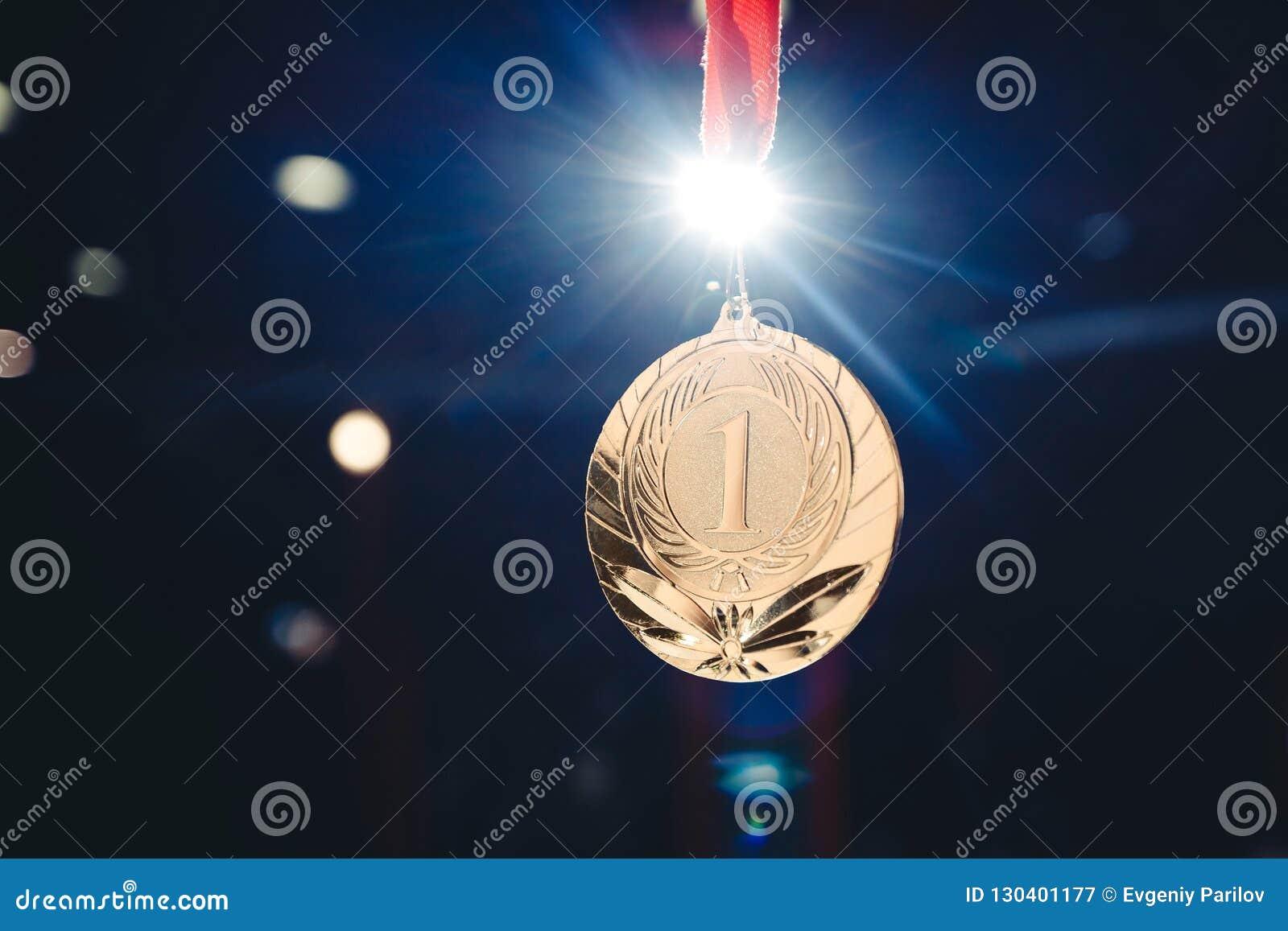 Lugar de la medalla de oro del ganador del deporte primer