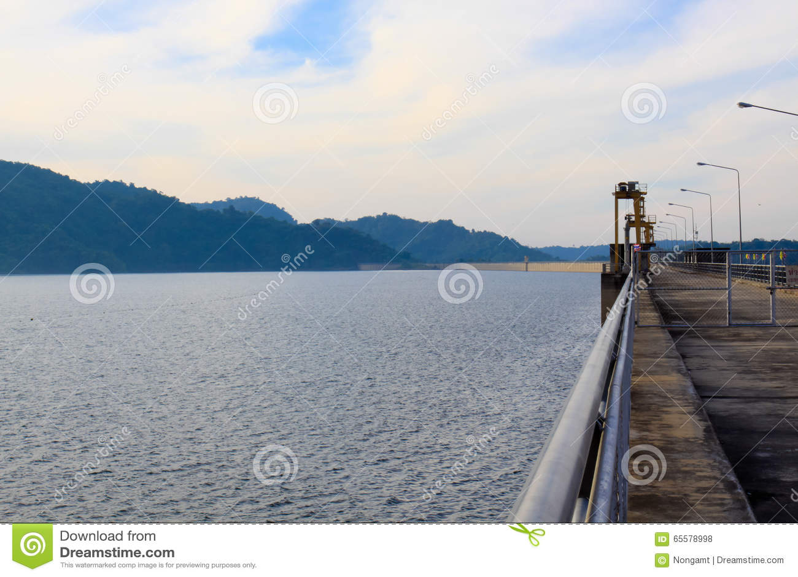 Lugar natural Kun Dan Pra Kan Chon Dam Nakonnayok Tailândia