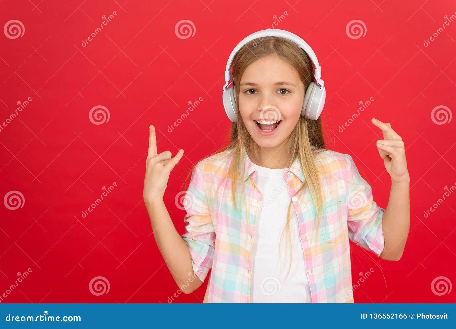 Luister aan muziek Schoonheid en manier het kleine jonge geitje luistert ebook, onderwijs Kinderjarengeluk Mp3 Speler [1] De Dag