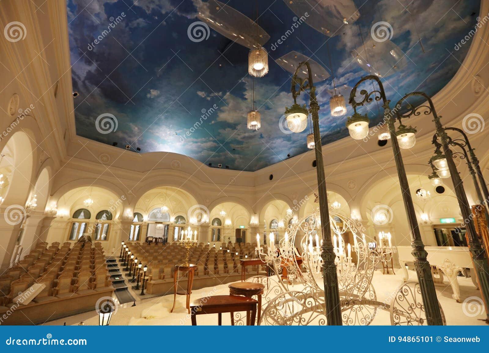 Lujo Dentro Que Se Casa La Sala De Banquetes En El Museo De Crysal