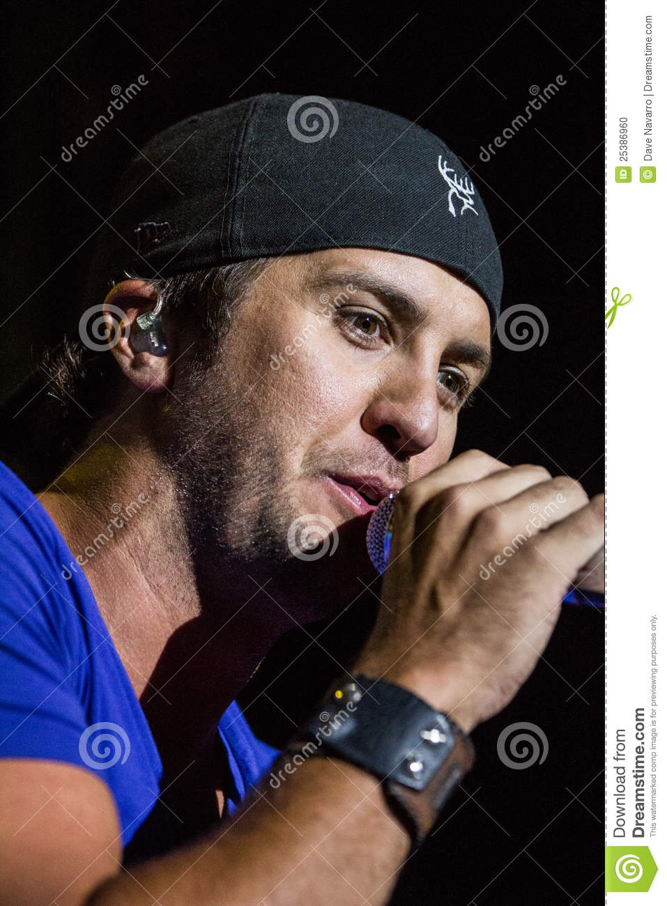 Luke Bryan In Concert Editorial Image Image Of Manhattan