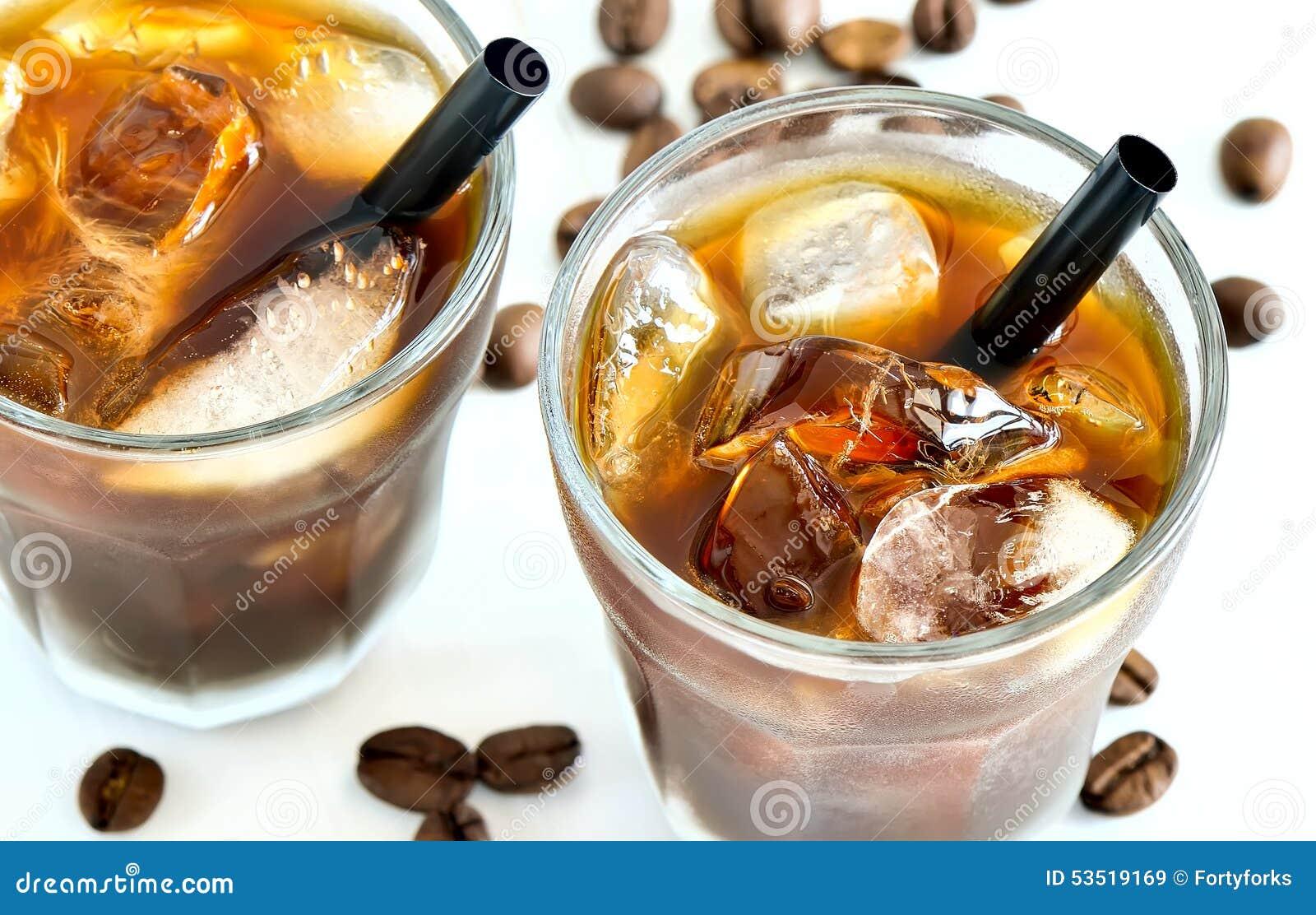 Lukrowa kawa w szkłach