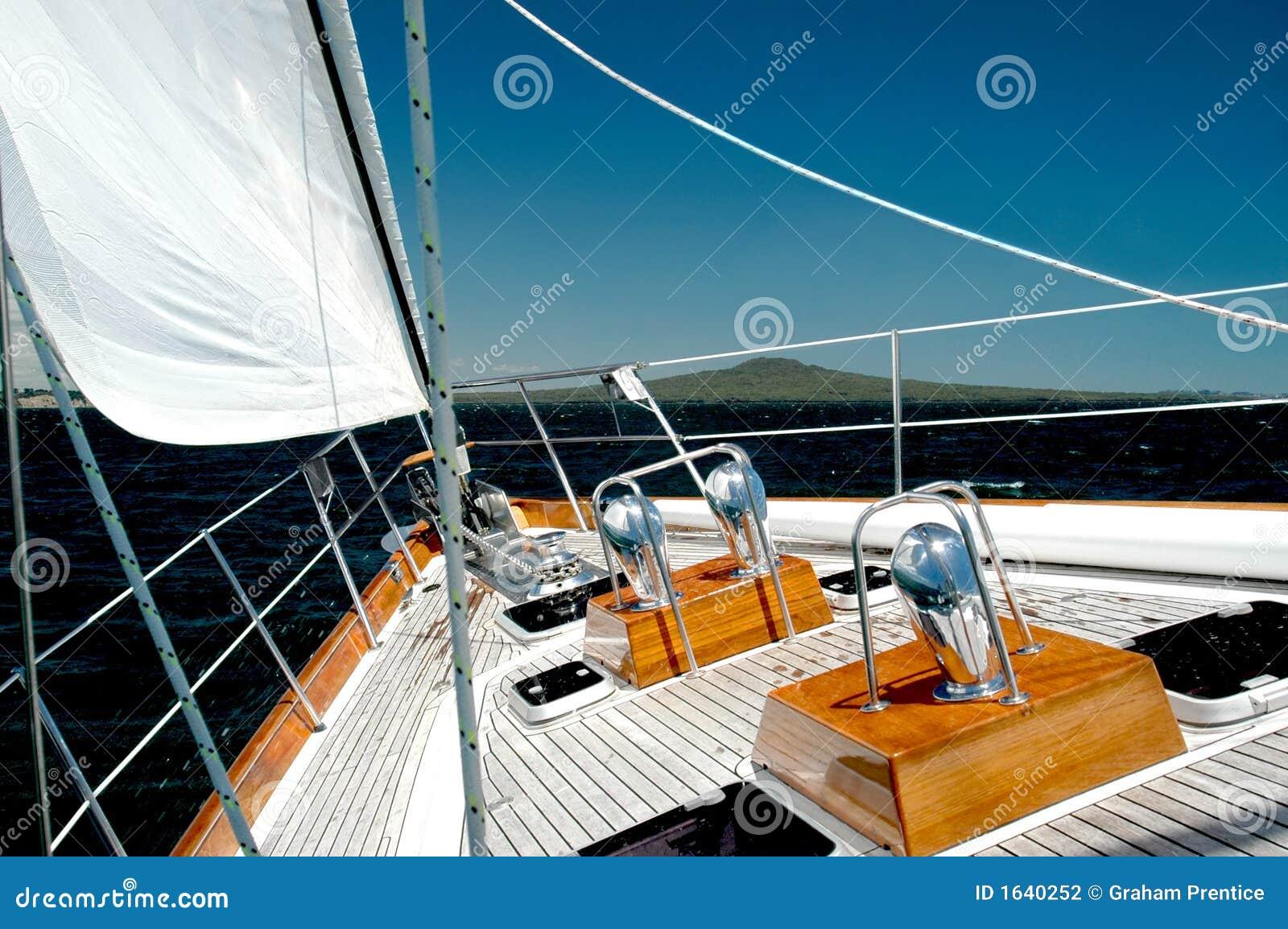 Luksusowy pływają pod jacht