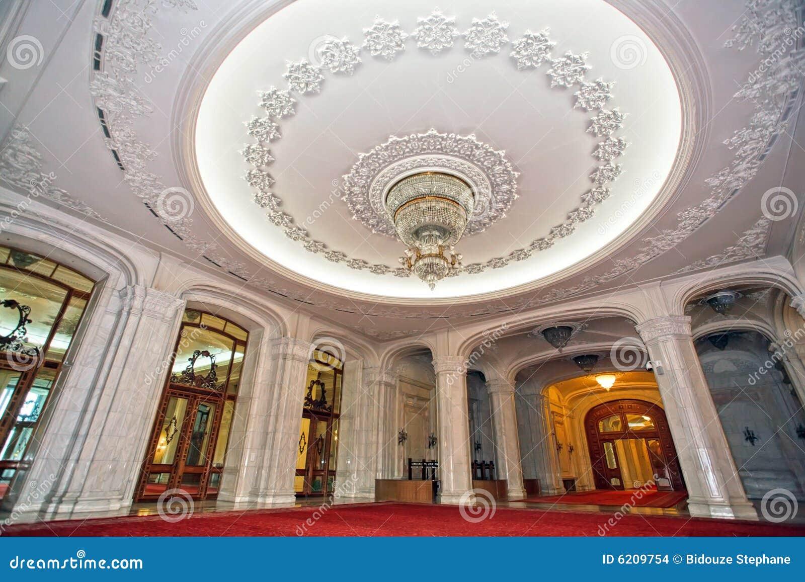 Luksusowy podsufitowy pałacu