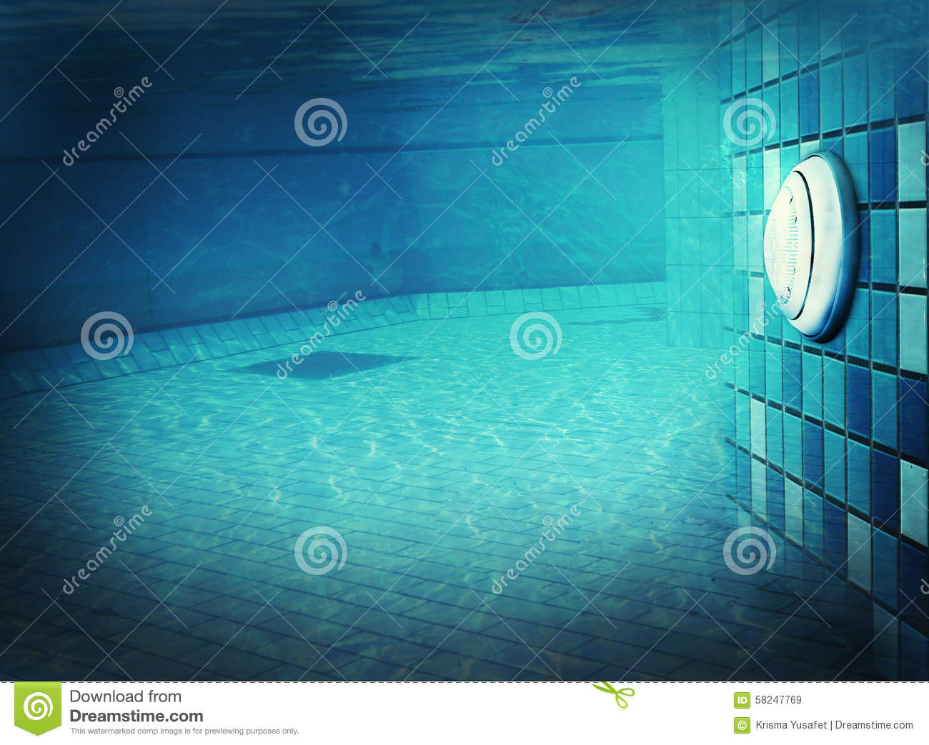 Lumi re de piscine sous l 39 eau photo stock image 58247769 for Piscine xs prix